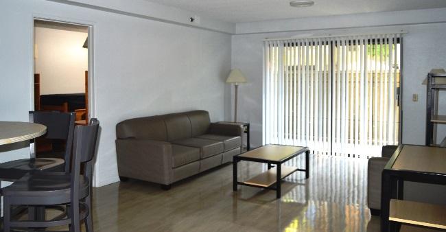 TRH 125 2 bedrooms 4 People LVNG 04x1